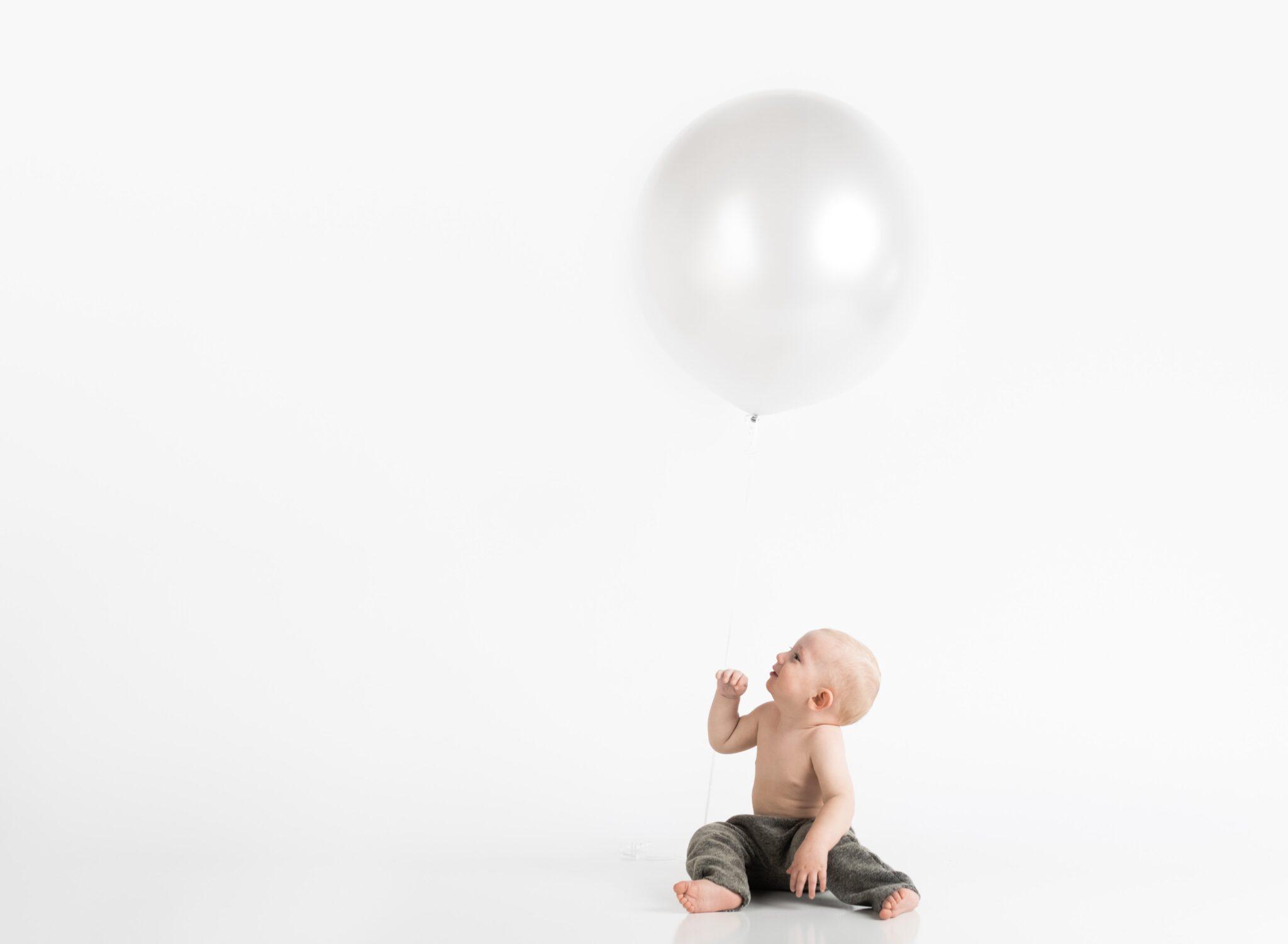 adorable baby balloon 1108195